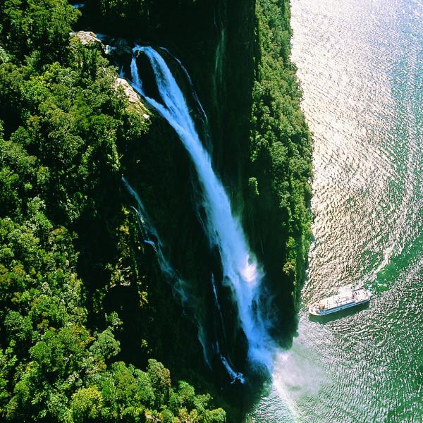 NZ_Milford_Haven_Stirling_Falls_Milford Sound.jpg