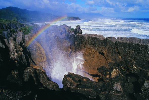 NZ_Punakaiki_Pancake_Rocks_&_Blowholes