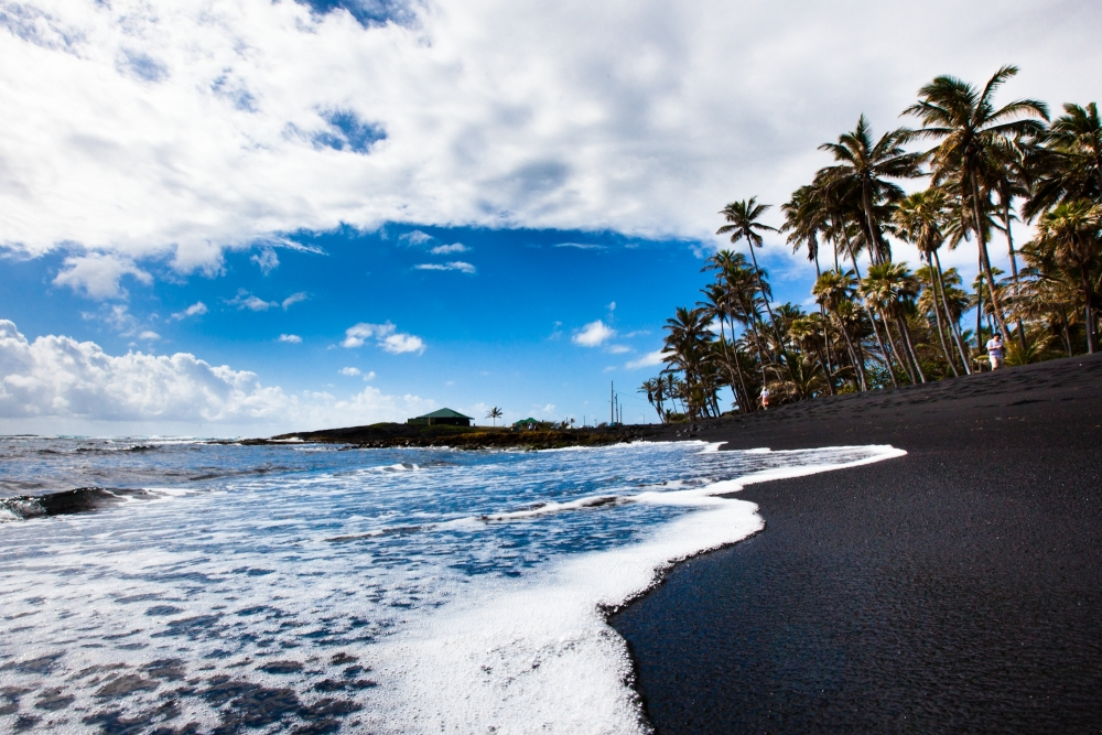 Spiaggia nera di Punaluu  copyright Hawaii Tourism Authority