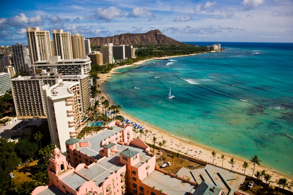 Waikiki Beach, Honululu copyright Hawaii Tourism Authority